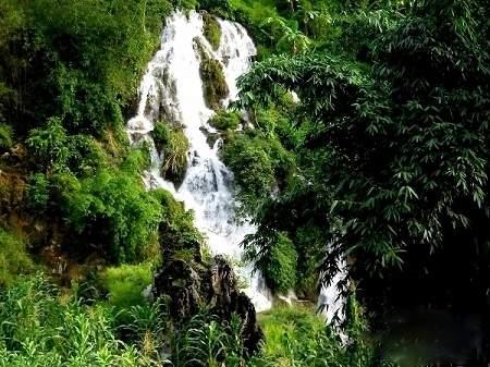 05Lengshui Waterfall.jpg