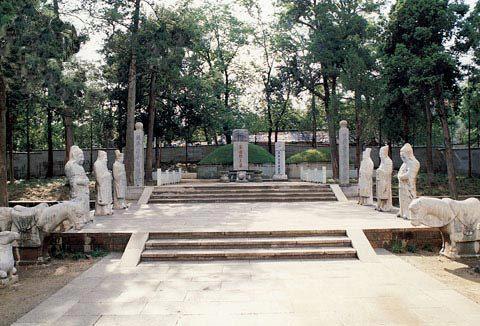 8Yue Fei Tomb.jpg