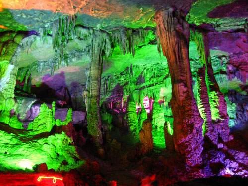 04Jiulong Cave.jpg