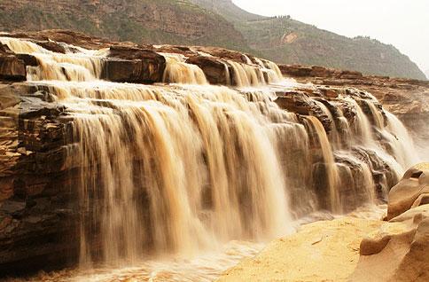 02Hukou Falls.jpg