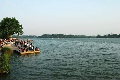 08Xuanwu Lake.jpg