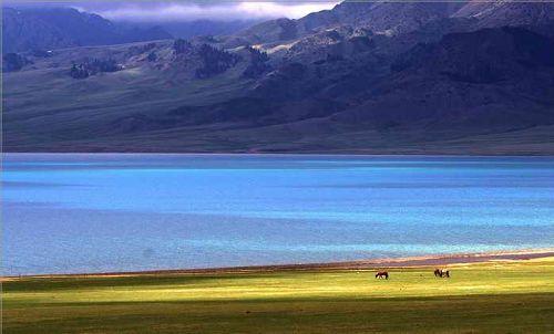 02Sayram Lake.jpg