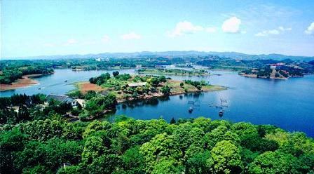 01Longquan Lake.jpg