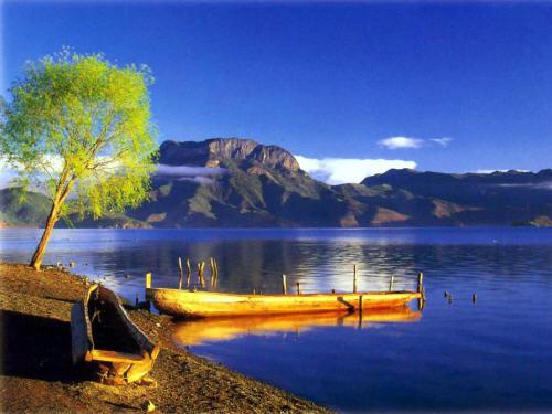010Lugu Lake.jpg